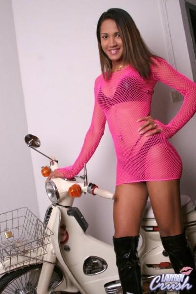ladyboy_crush_nancy2_honda_pink_8